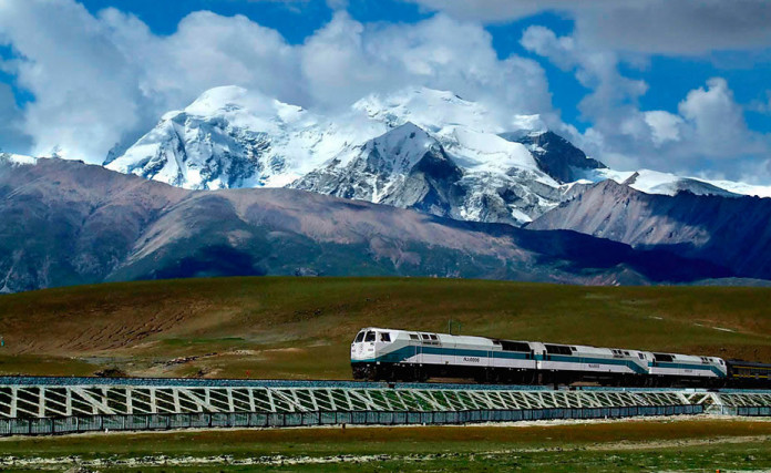 China-Building-Rail-Tunnel-Mount-Everest